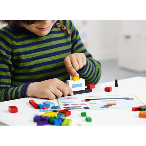 Construyendo y creando con el Set de ladrillos creativos de LEGO