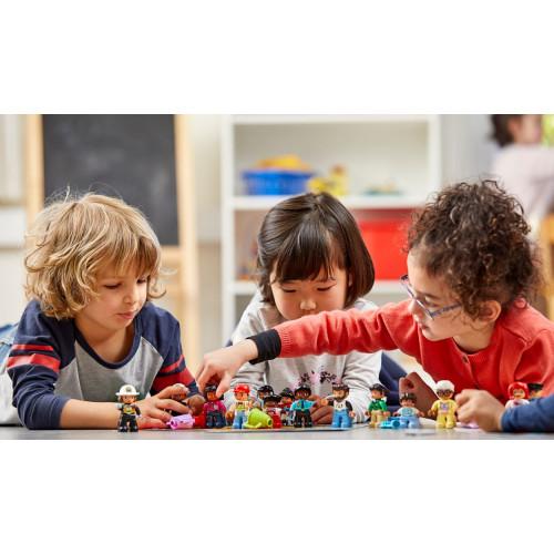 Actividad en equipo con Gente Lego Duplo